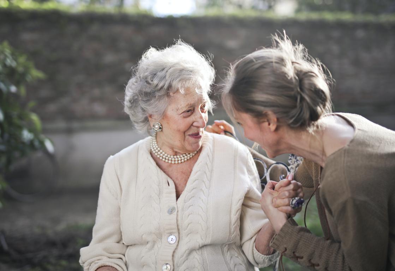 Aide à domicile - Aide à la personne - Personne âgée - Proxidom